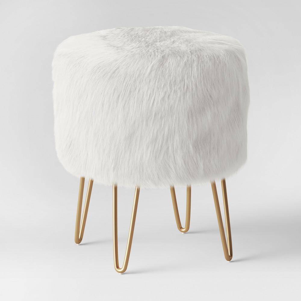 Radovre Hairpin Ottoman Faux Fur White - Project 62