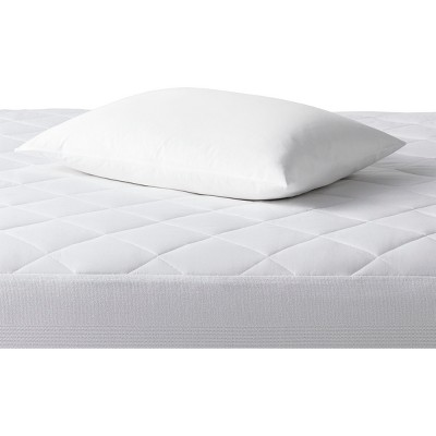 Single Stain Release Pillow Protector (King)White - Made By Design™