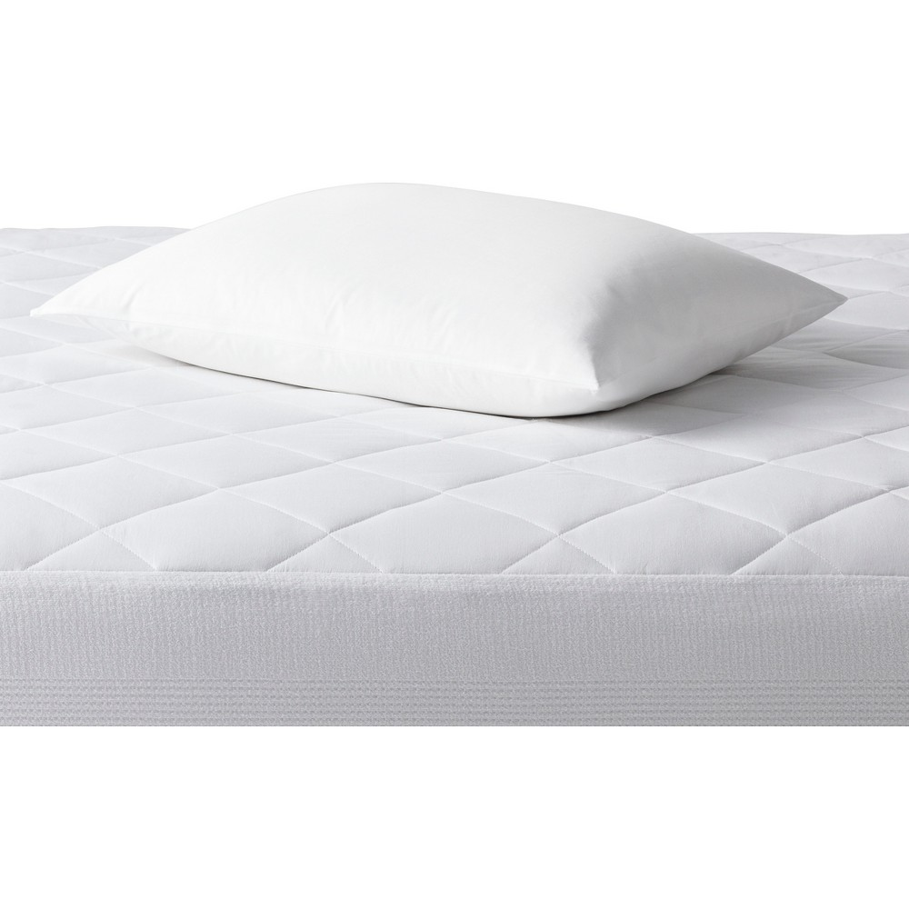 Image of Single Stain Release Pillow Protector (Standard/Queen) White - Made By Design