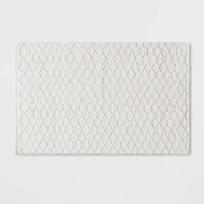 Diamond Stripe Bath Rug White - Threshold™