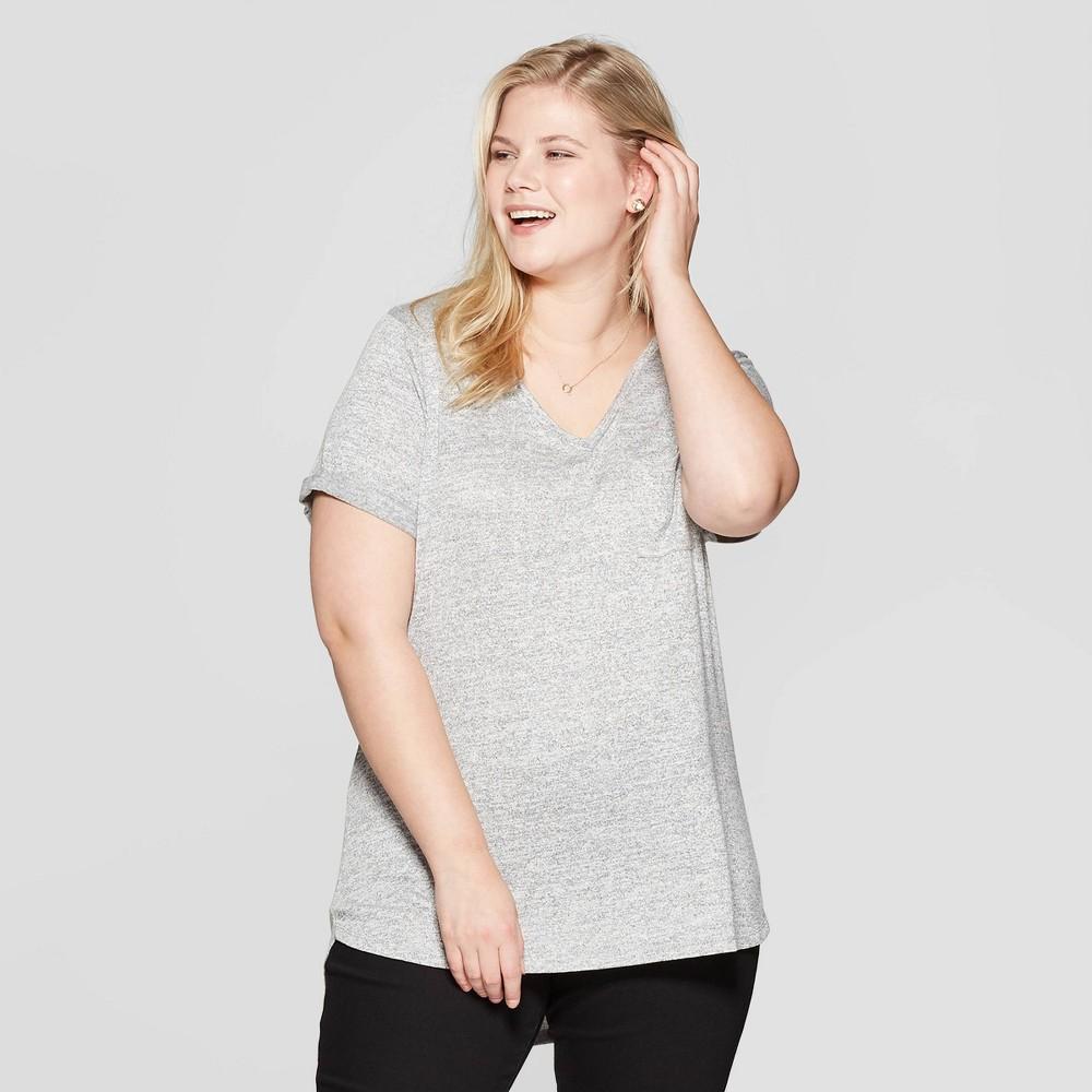 Women's Plus Size Pocket Short Sleeve Rolled Cuff V-Neck T-Shirt - Ava & Viv Ivory/Gray 4X