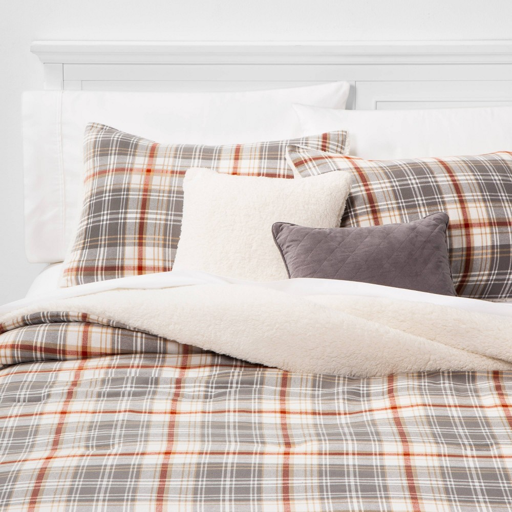 Image of Full/Queen Park City Plaid 5pc Bed Set Set Khaki, Beige Red Gray
