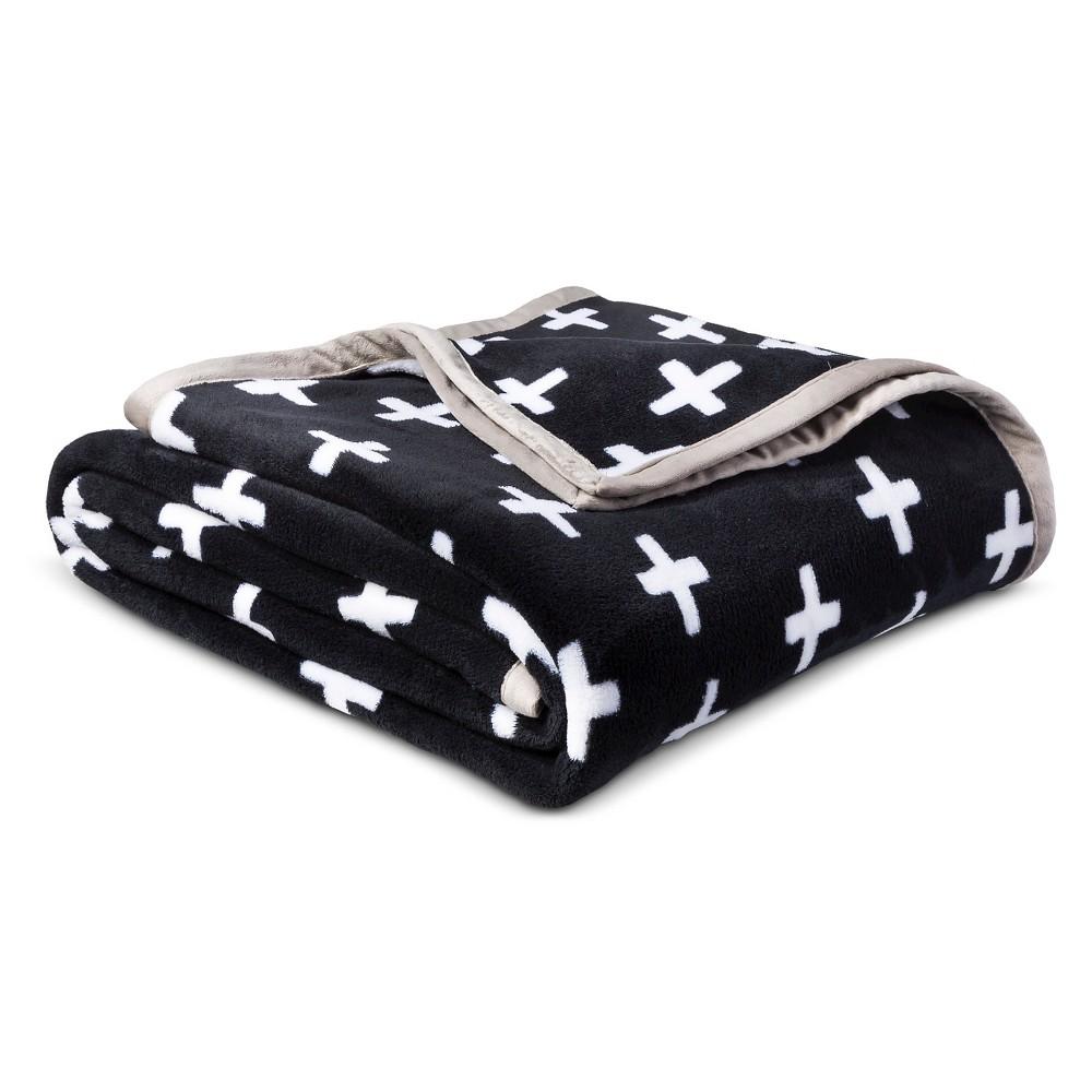 Plus Sign Plush Blanket (Full/Queen) Black & White - Pillowfort