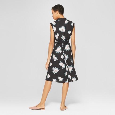 5712a514b7d7d Women s Floral Print Sleeveless Collared Wrap Dress - Xhilaration™ Black    Target