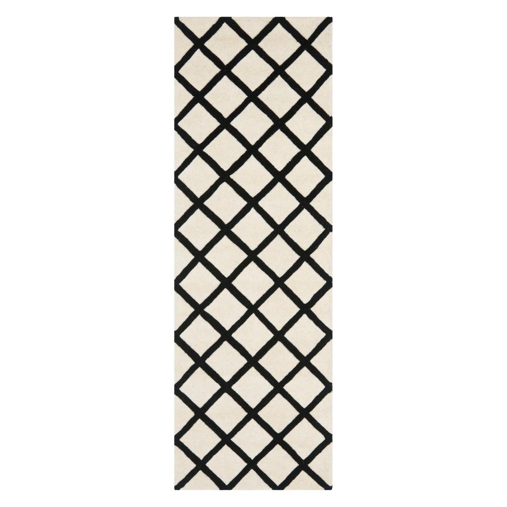 23X7 Geometric Tufted Runner Ivory/Black - Safavieh Promos