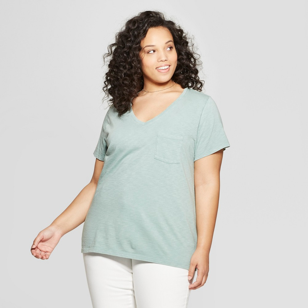 Women's Monterey Pocket V-Neck Short Sleeve T-Shirt - Universal Thread Green 4X