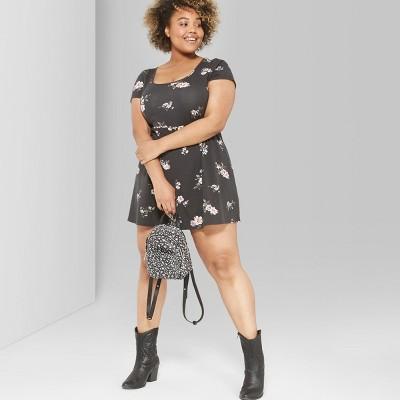 7140dd53 Shoptagr | Women's Plus Size Floral Print Short Sleeve Scoop Neck ...