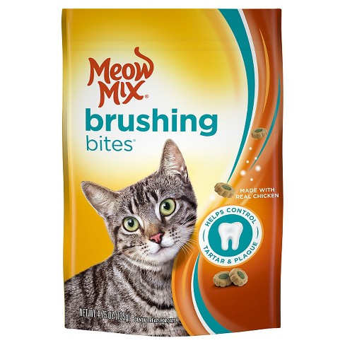 Meow Mix Brushing Bites with Real Chicken Cat Treats - 4.75 oz - image 1 of 1