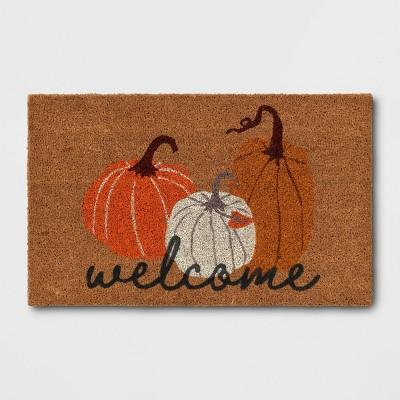 """1'6""""x2'6"""" Three Pumpkins Welcome Harvest Doormat - Threshold™"""
