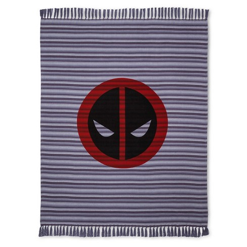 "Deadpool® Face Woven Throw (50""x60"") Black&Red - Marvel® - image 1 of 1"