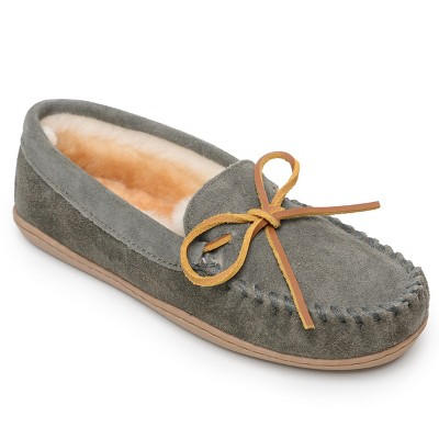 Minnetonka Women's Suede Sheepskin Hardsole Moc Slipper