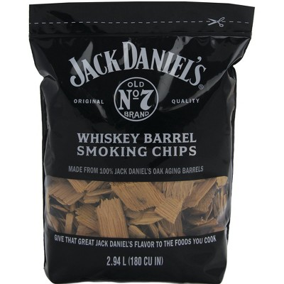Jack Daniel's Tennessee Whiskey Barrel Smoking Oak Wood Chips for Charcoal, Gas, or Electric Grills and Smokers, 180 Cubic Inches