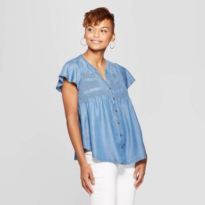 2aa635bdbee87 Women s Short Sleeve V-Neck Smocked Chambray Top - Knox Rose™ Chambray