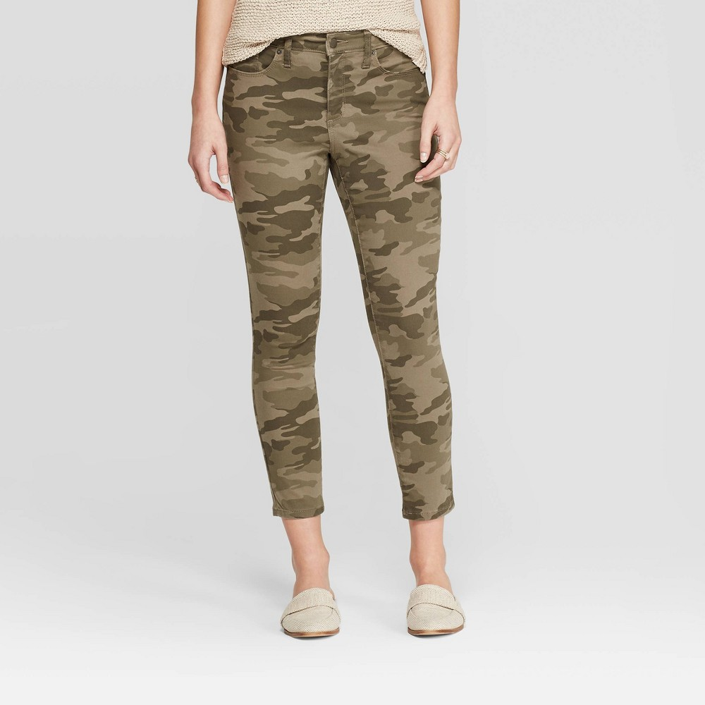 Women's High-Rise Camo Print Skinny Crop Jeans – Universal Thread Green 8
