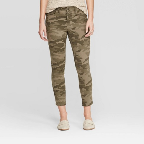 Women's High-Rise Camo Print Skinny Crop Jeans - Universal Thread™ Green - image 1 of 3