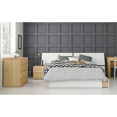 4pc Full Ogilvi Bedroom Set White/Natural Maple- Nexera