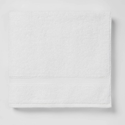 Soft Solid Bath Towel White - Opalhouse™