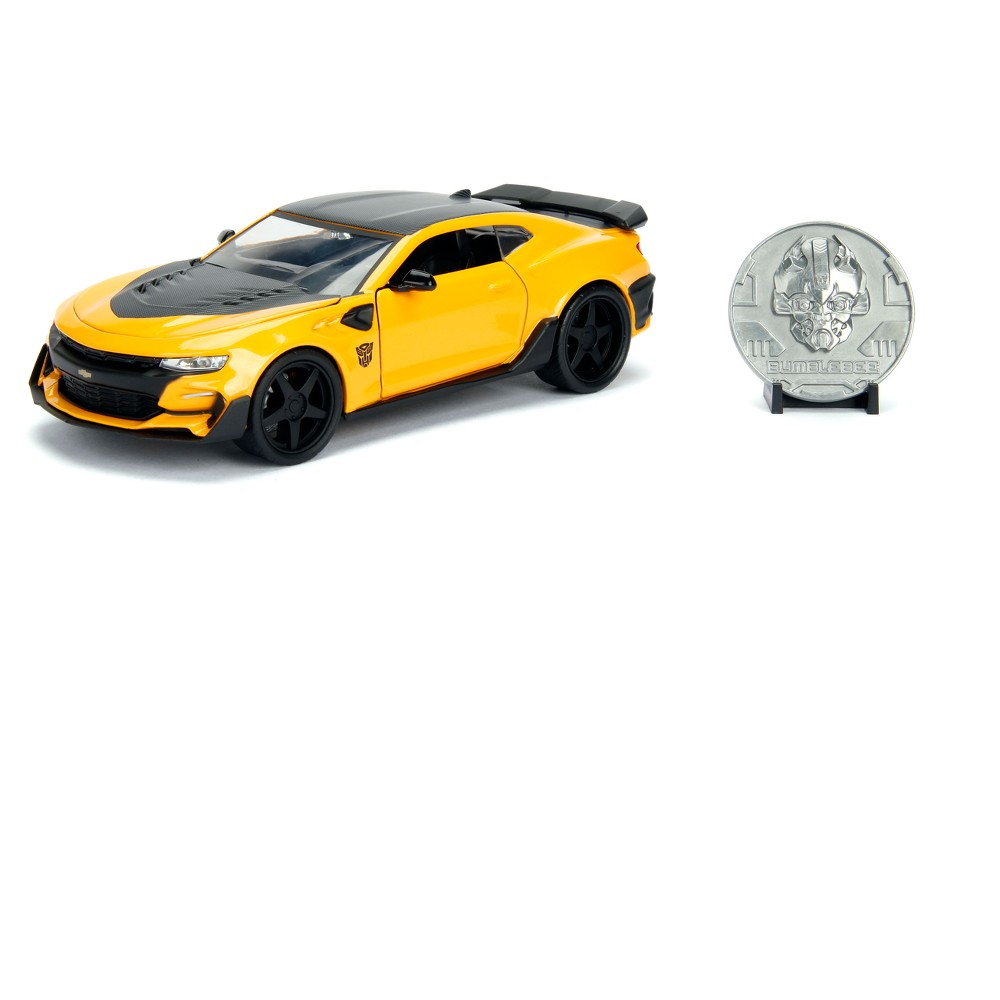 Image of METALS 1:24 Transformers Diecast Vehicle - Bumblebee