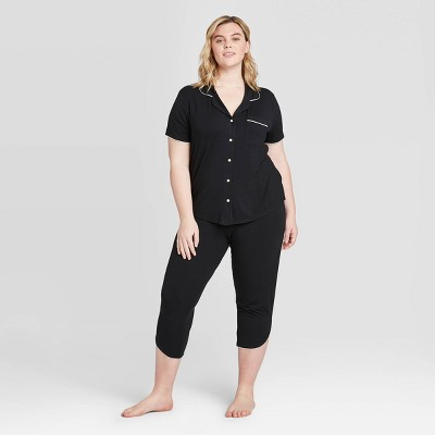 Women's Plus Size Beautifully Soft Short Sleeve Notch Collar and Crop Pajama Set - Stars Above™ Black 2X