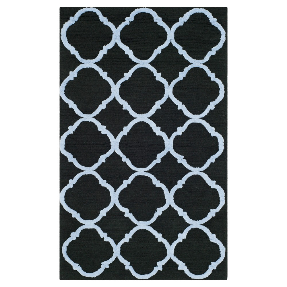Black/Blue Geometric Hooked Accent Rug 2'6