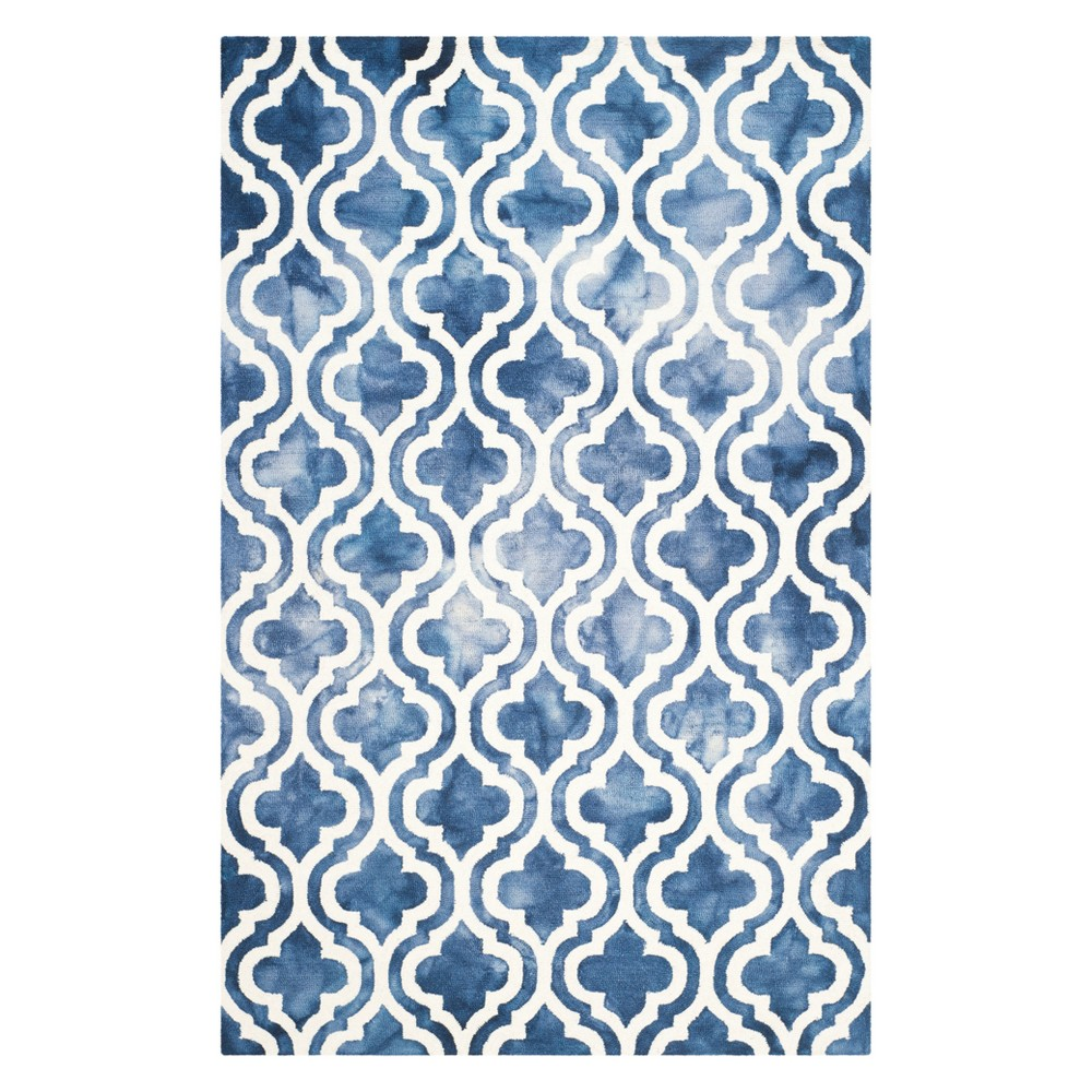 5'X8' Quatrefoil Design Area Rug Navy/Ivory (Blue/Ivory) - Safavieh