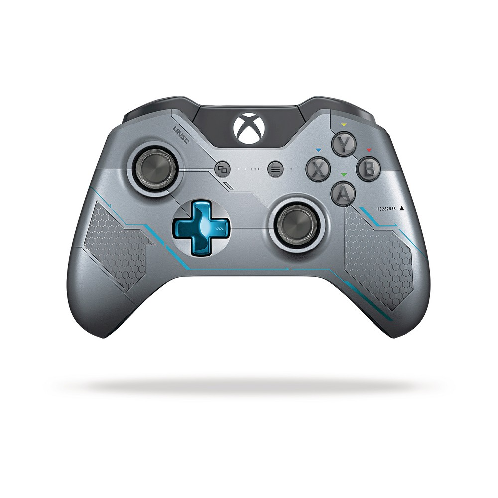 Xbox One Limited Edition Halo 5: Guardians Wireless Controller, Blue/Silver Xbox One Limited Edition Halo 5: Guardians Wireless Controller Color: Blue/Silver.