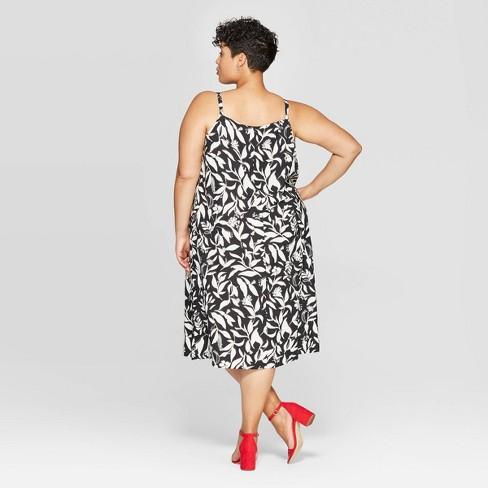d3465b53d58c Women's Plus Size Floral Print Sleeveless V-Neck Shift Dress - Ava & Viv™  Black