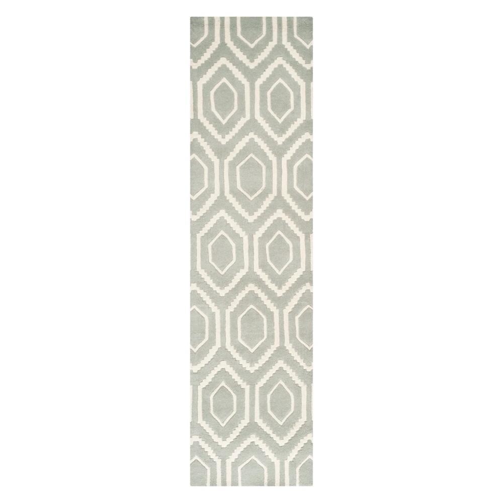 2'3X11' Geometric Tufted Runner Gray/Ivory - Safavieh