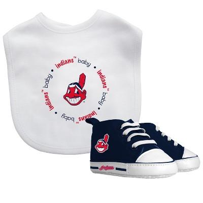 Cleveland Indians Bib & Prewalker Gift Set