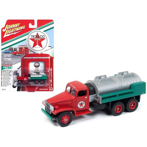 """GMC CCKW 2 1/2-ton 6x6 Tanker Truck """"Texaco"""" Limited Edition to 1,416 pieces Worldwide 1/87 Diecast by Johnny Lightning - image 1 of 1"""