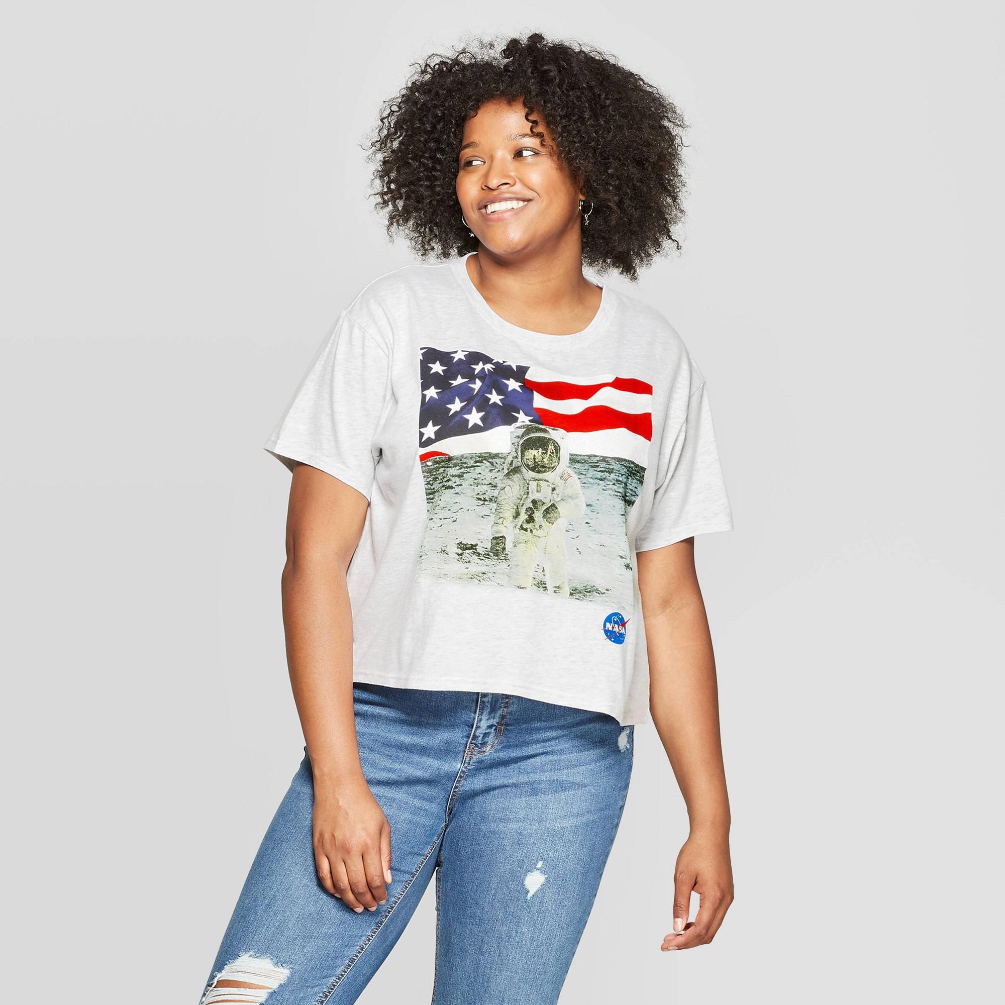 Women's Plus Size Short Sleeve Cropped Nasa T-Shirt - Freeze (Juniors') - Light Gray/Heather 3X