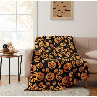 Kate Aurora Autumn Living Halloween Jack-O'-Lantern Pumpkins Orange & Black Ultra Plush Throw Blanket