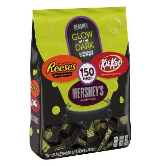 Reese's Kit Kat and Hershey's Glow in the Dark Miniatures Halloween Variety Bag - 48.28oz / 150ct