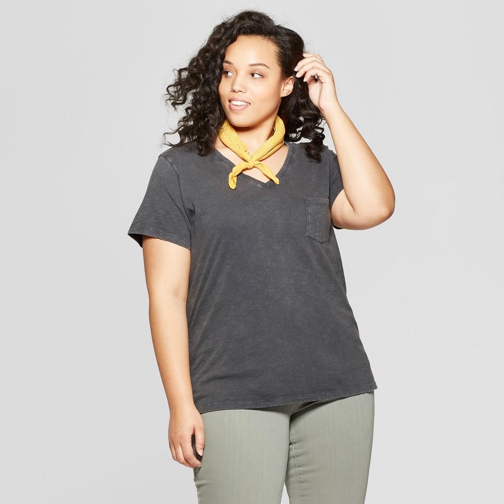 Women's Plus Size Short Sleeve Pocket V-Neck T-Shirt - Universal Thread Gray 3X