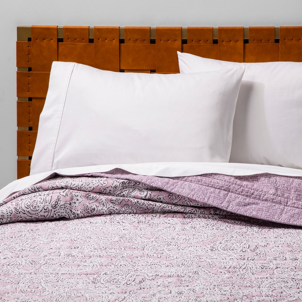 Twin/Twin Extra Long Paisley Quilt Violet - Opalhouse, Pink