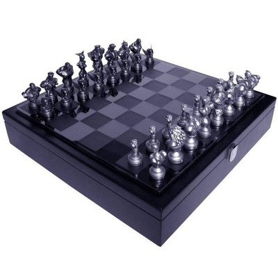 UCC Distributing Street Fighter 25th Anniversary Resin Chess Set w/ Game Board