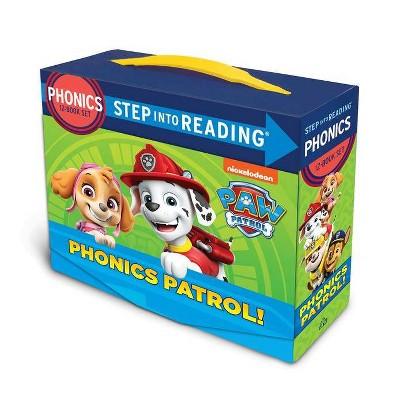 PAW Patrol Phonics Box Set - (Step Into Reading) by Jennifer Liberts (Paperback)