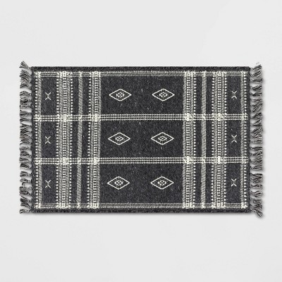 "2'3""x3'9"" Southwest Plaid Accent Rug Gray - Project 62™"