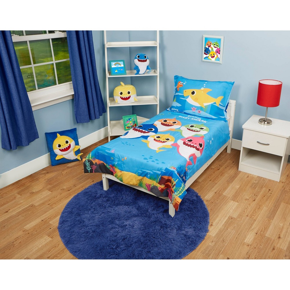 Image of Baby Shark Toddler Bedding Set