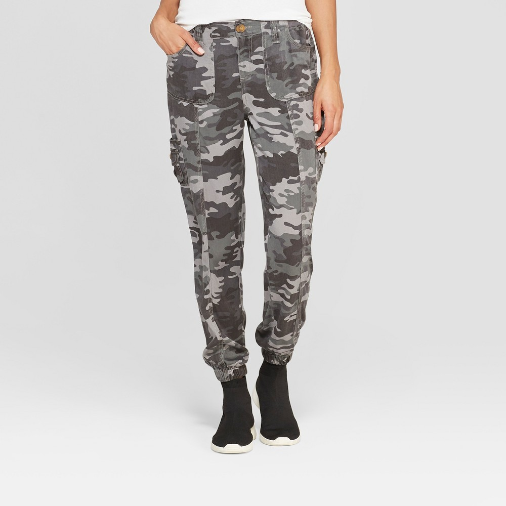 Women's Camo Print Mid-Rise Jogger Cargo Pants - Knox Rose Camouflage Griswold XS, Green