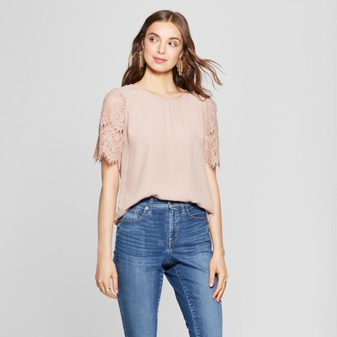 Women's Lace Short Sleeve Top - Lily Star (Juniors') Blush - image 1 of 2