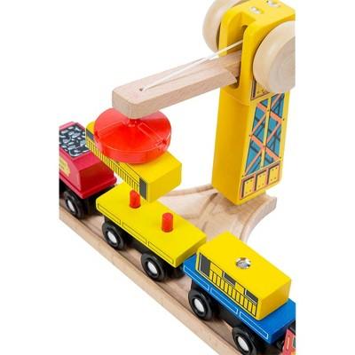 Melissa & Doug Deluxe Wooden Railway Train Set (130+pc)