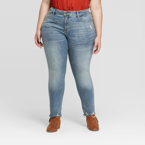 Women's Plus Size Mid-Rise Distressed Skinny Jeans - Universal Thread™ - image 1 of 3