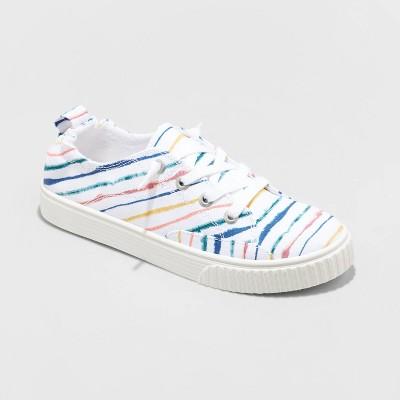 Women's Mad Love Akia Apparel Sneakers