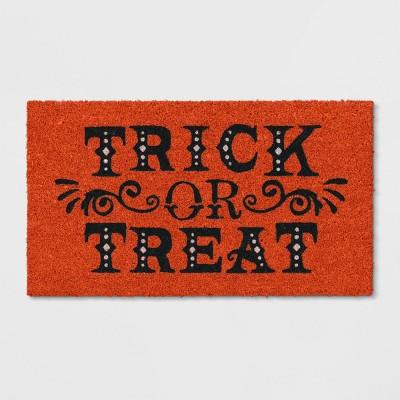 """1'2""""x2'2"""" Trick or Treat Halloween Doormats Orange - Threshold™"""