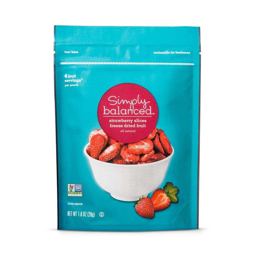 Freeze Dried Strawberry Slices - 1.0oz - Simply Balanced