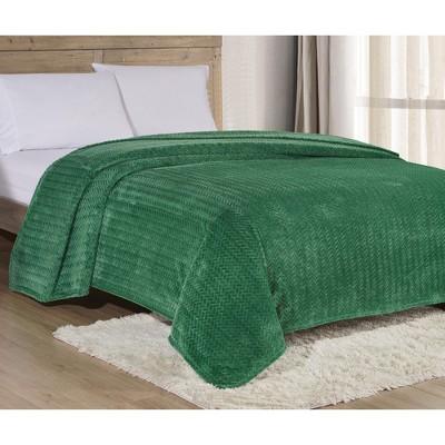 Extra Heavy and Plush Chevron Braided Blanket
