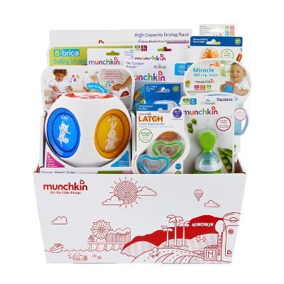 Munchkin HUGS Baby Gift Set Basket