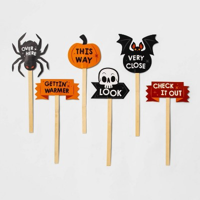 6ct Scavenger Hunt Paper Yard Stake Pack Halloween Party Favors - Hyde & EEK! Boutique™