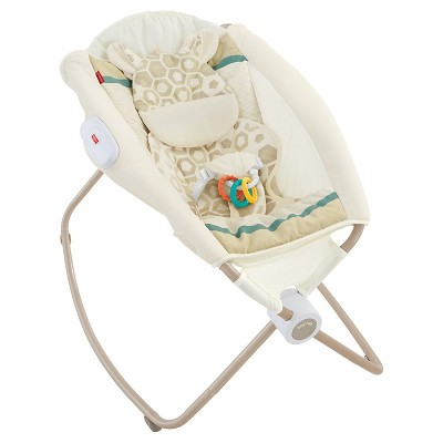 Fisher-Price Deluxe Giraffe Rock 'n Play Sleeper - Soothing Savanna
